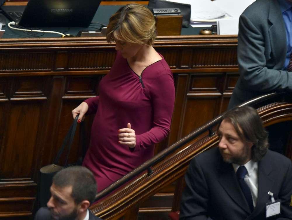 Attesa maternity a montecitorio attesa maternity for Oggi parlamento diretta