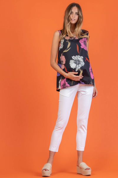Floral Printed Maternity Top with Creases on the Back
