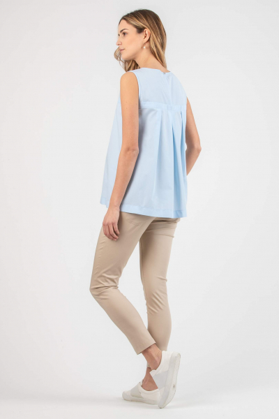 Maternity Top with Creases on the Back